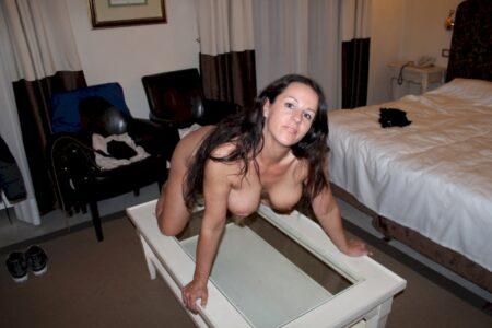 Cougar sexy recherche son coquin pour un plan cul sur le Finistère