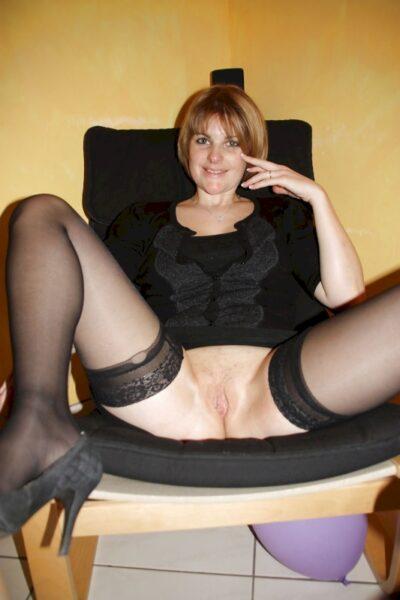 Femme adultère vraiment très mignonne cherche un gars impudique