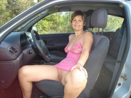 Femme célibataire qui désire du réel