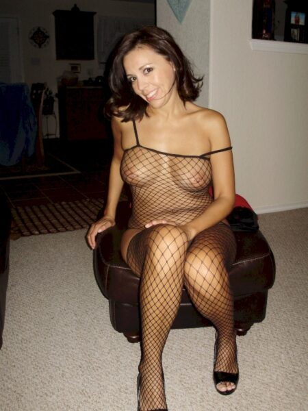 Femme cougar sexy domina pour homme docile
