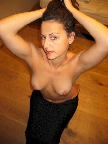 Libertine sexy soumise pour amant qui apprécie la domination très souvent disponible