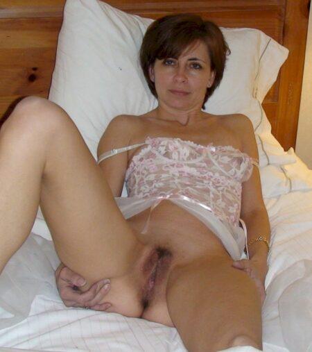Passez un rendez-vous coquin avec une femme cougar sexy